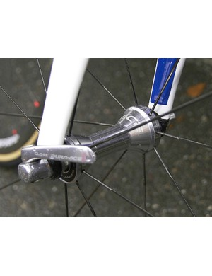 The front hub looks to be the same as ones currently in usewith production wheelsets.