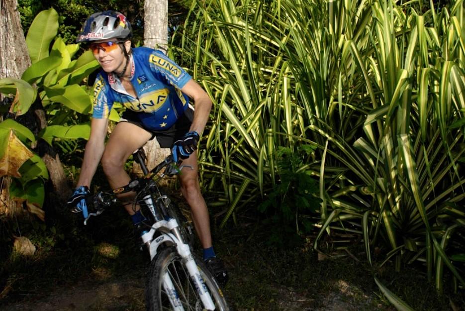 Luna Chix pro racer Marla Streb in Costa Rica.