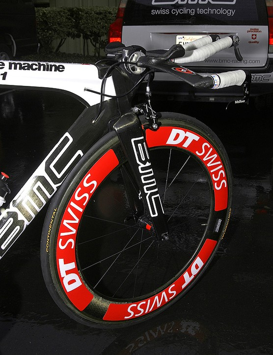Both the front and rear wheels bear giant DT Swiss decals…