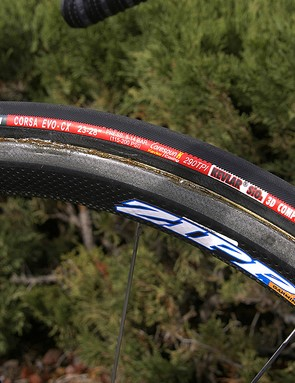 With Zipp's 202 carbon tubulars installed Vande Velde's Felt F1 SL is actually slightly lighter than the UCI-mandated 6.8kg minimum weight.