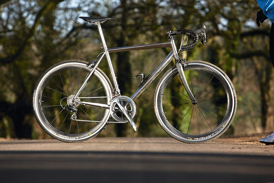 0fc638f46e9 Full 2009 Dura-Ace and Mavic Cosmic Carbone: our Astraeus test bike is a