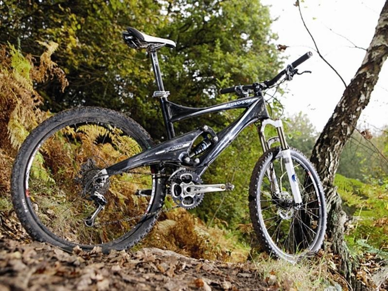 You could win this Whyte E120 XT if you enter the Whyte Night night-time enduro at BikeRadar Live