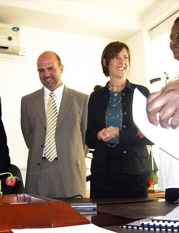 World Bicycle Relief representatives stand with the Permanent Secretary of the Zambian Ministry of Education, Lillian E.L. Kapulu (right), at the signing of the Memorandum of Understanding on February 5, 2009. From left, Head of Zambian Operations Abson Kafiswe, Head of African Operations Dave Neiswander, and World Bicycle Relief co-founder Leah Missbach Day.