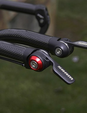 More carbon fibre can be found in the SRAM TT Shifter 900 bar-end shifters.