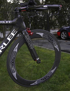 Edge Composites provides Kemp and the rest of the team with its Aero 2.0 fork.