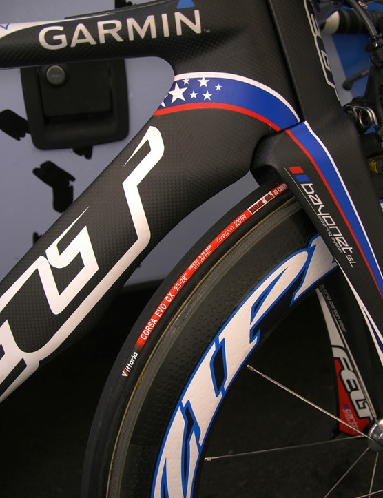 The dropped down tube and modest wheel cutout are said to smooth airflow coming off of the front wheel.
