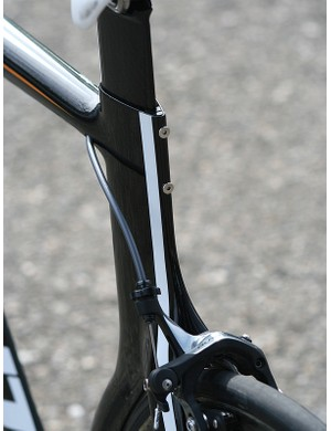The thin-walled aero seatpost overlaps with the frame by just 80mm or so and adjusted with a pair of rear-mounted bolts and hidden shims.