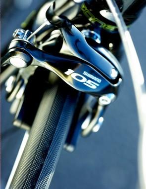 Shimano 105 dual pivot brakes in matching black finish