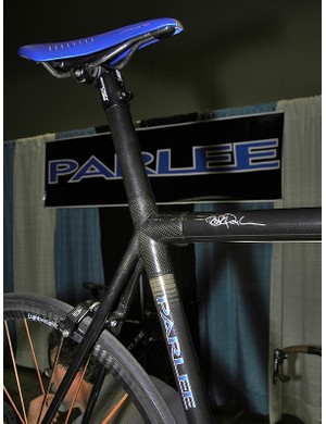 The integrated seatmast is topped with a Ritchey head.