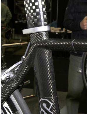 The top tube looks to flow into the seat stays.