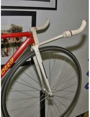 Wonder what the UCI would say about this sort of design today?