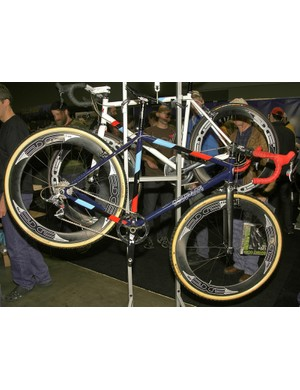 Courage takes to the barriers with this lightweight steel 'cross racer.