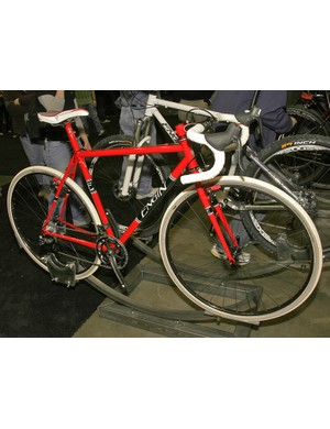 Engin Cycles had its usually diverse range of bikes on display at this year's NAHBS such as this dedicated 'cross racer built for Denny Yunk of Hayes Bicycle Group.