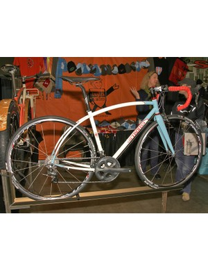 Inglis' other brand, Retrotec, incorporates trademark curves into the frame designs.