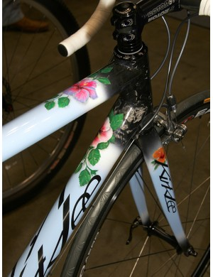 It's safe to say that your cycling significant other would rather get one of these than a bouquet of flowers.