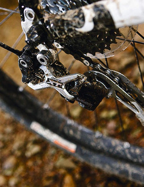 A Shimano XT/SLX transmission mix is a sensible choice
