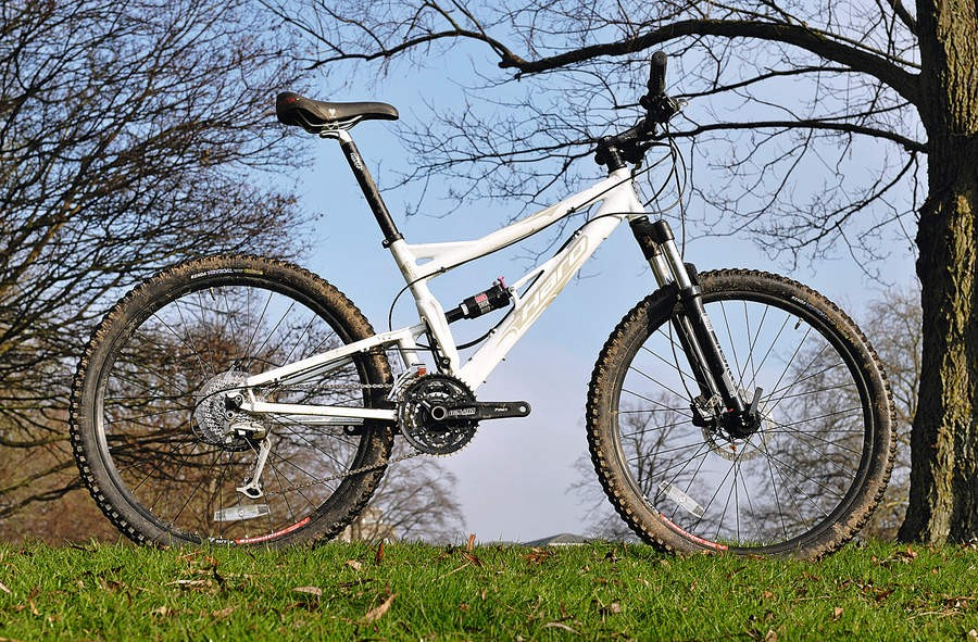 The 2009 Sonix gets a  Marzocchi fork and a £100 price hike