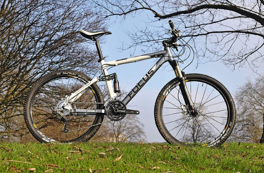 If you're coming from a hardtail background then the Expert may appeal