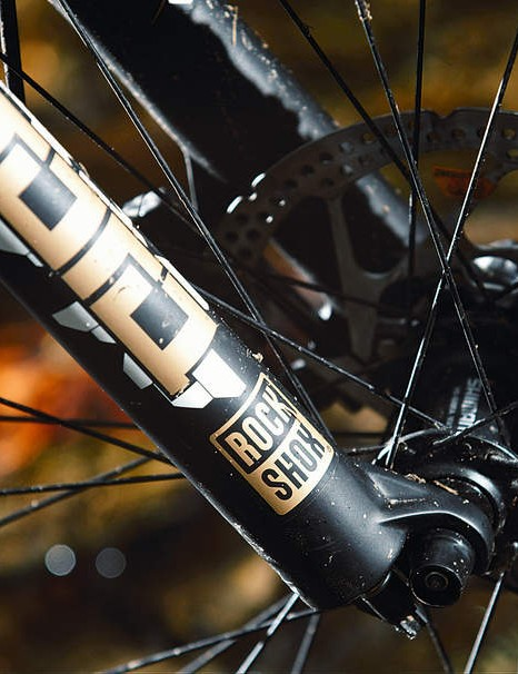 The Tora fork doesn't match the Float shock's supple suspension action