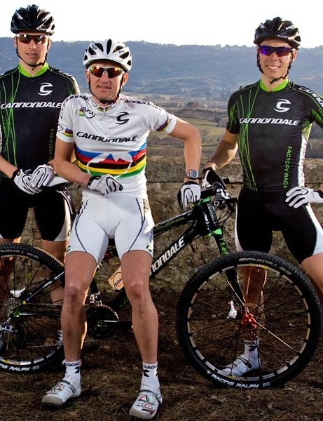 Roel Paulissen with Marco Aurelio Fontana and Swiss mountain biker Martin Gujan