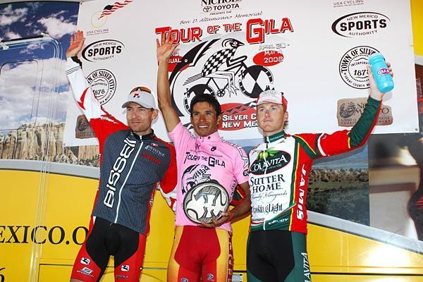 Men's 2008 podium: (L) Burke Swindlehurst (Bissell), overall winner Gregorio Ladino Vega (Tecos) and Anthony Colby (ColaVita)