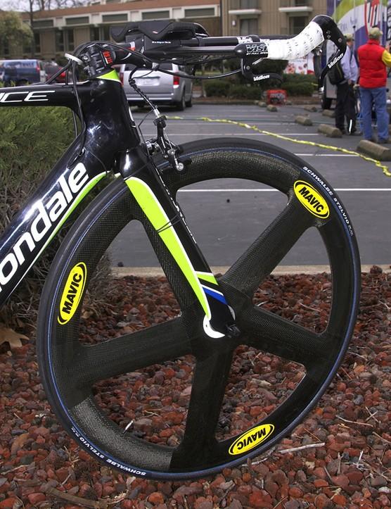 Mavic's five-spoke Io front wheel still strikes an imposing profile.