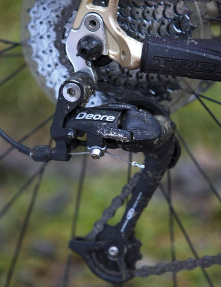 The Fuel EX5.5 shuns Shimano's new mid-range SLX supergroup in favour of reliable old Deore.