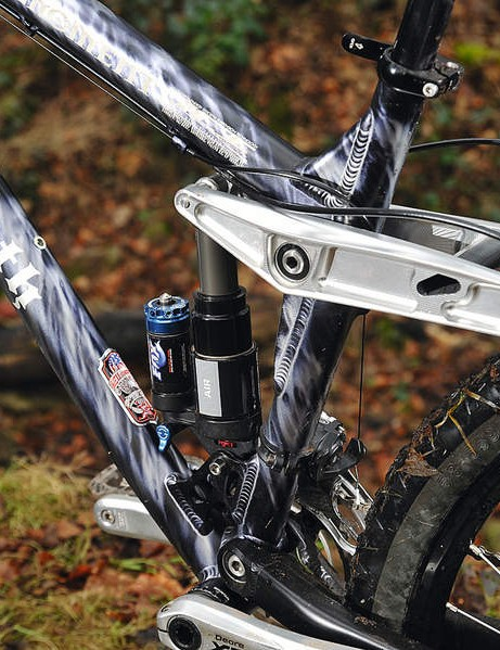 Big travel comes via the versatile and tuneable  Fox DHX3 Air shock