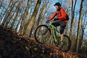 One of the best short travel bikes we've  tested — 26in or 29er