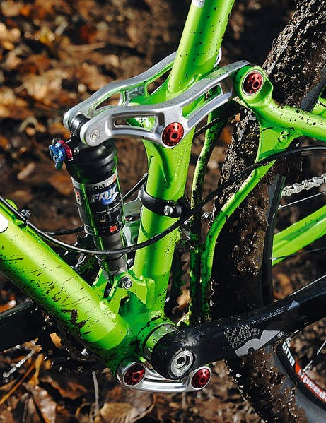 Niner's CVA dual rocker system is active but bob-free