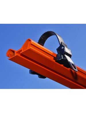 The tubular tray is much stiffer and stronger than usual roof rack extrusions.