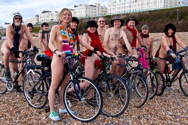 Brighton Naked Solidarity Bike Ride, Saturday 14 March, 2009