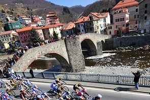 Action from the 100th Milan-San Remo