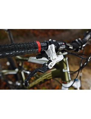 The carbon fi bre mech wing is one of many excellent practical touches on the Lapierre.