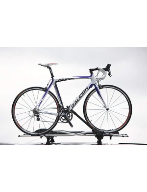 Raleigh Avanti Carbon Race