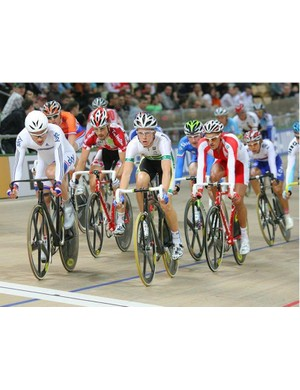 Chris Newton (Great Britain) and Cameron Meyer (Australia) watch each other in the points race