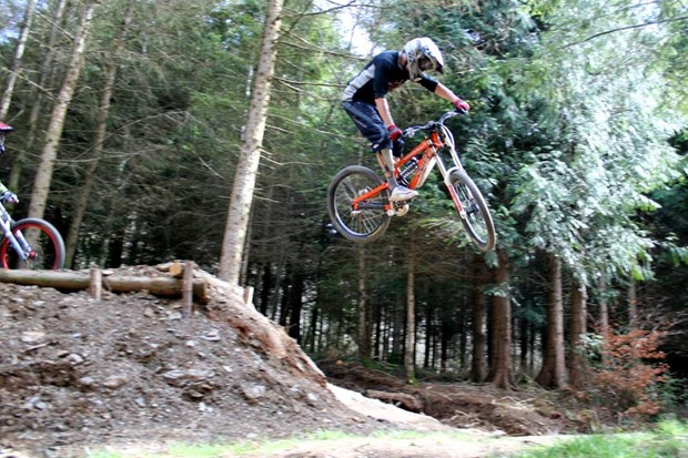 Ash Mullane hitting the Super Tavy downhill run
