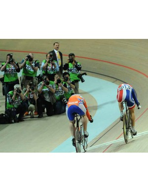 Victoria Pendleton (R) just managed to beat Willy Kanis to win the final of the women's sprint
