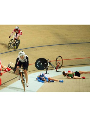 Carnage in the women's points race