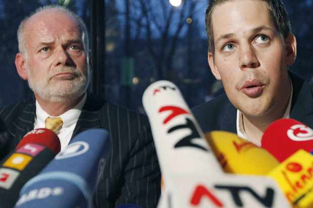 Austrian cyclist Bernhard Kohl (R) and his lawyer Manfred Ainedter (L) are pictured during a press-conference on March 31, 2009 in Vienna. Kohl, 26, the best climber at the 2008 Tour de France and third overall, was sacked by his Belgian team Silence after testing positive for CERA, the new generation of banned blood booster EPO.