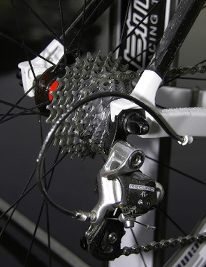 The carbon seat stays are bonded to aluminium dropouts.