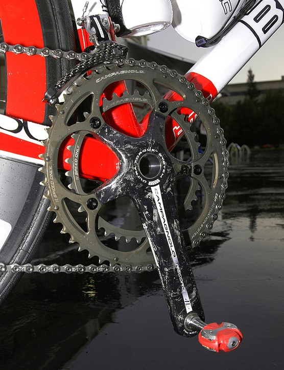 The new Campagnolo crankset uses more narrowly spaced chainrings that have been hard-anodised for durability.