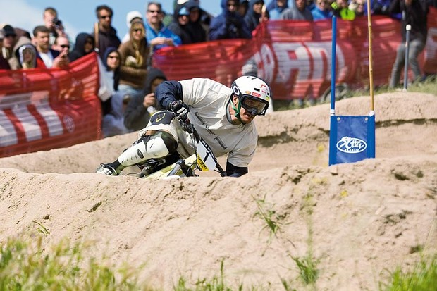 Lopes in dual slalom action