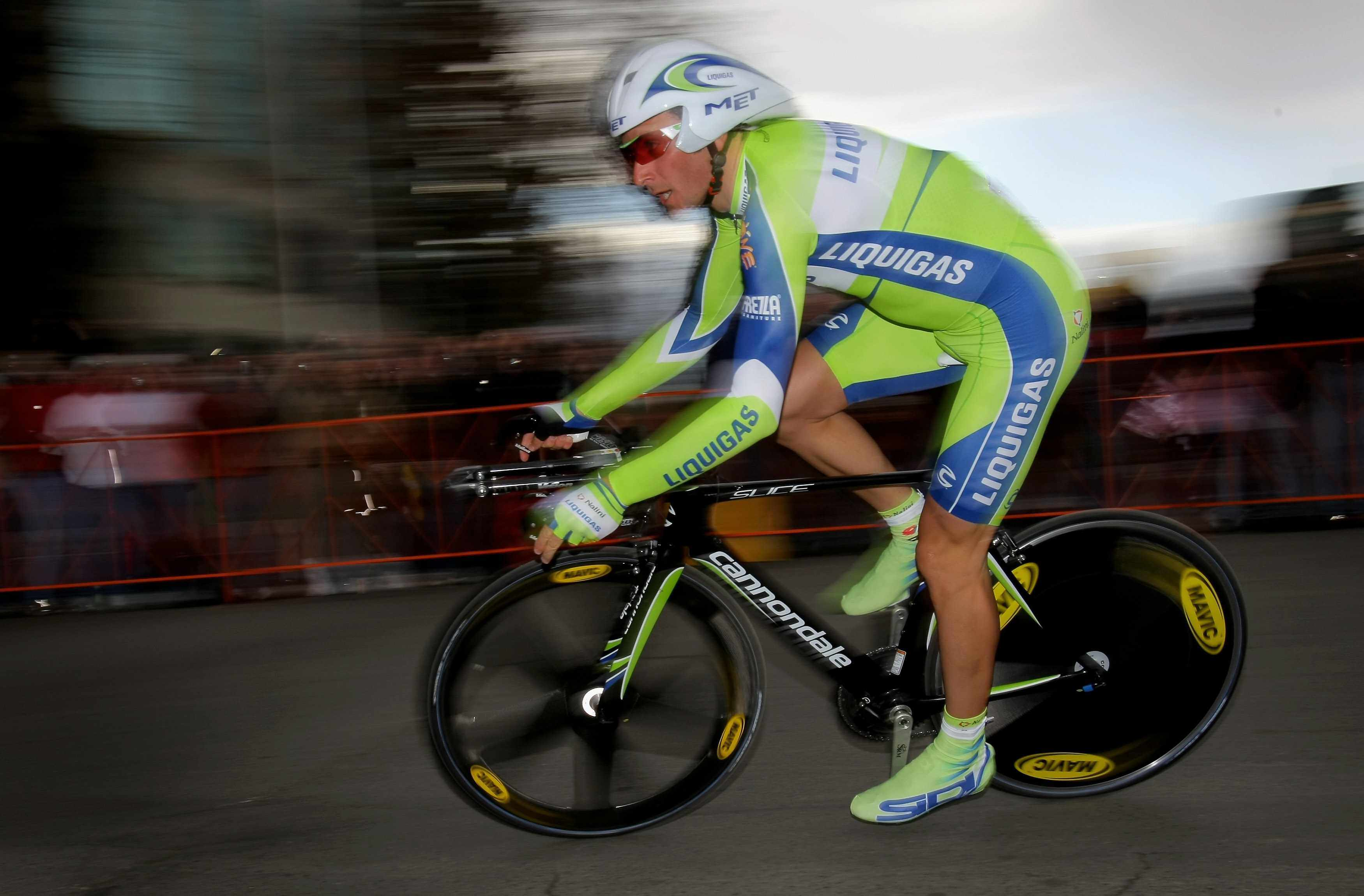 Italian star Ivan Basso races his Cannondale in the recent Tour of California.