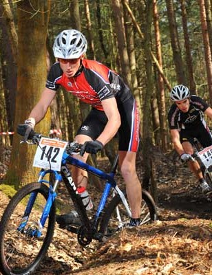 Adrian Lansley and Gareth Montgomerie had a gladiatorial battle in the expert men's race