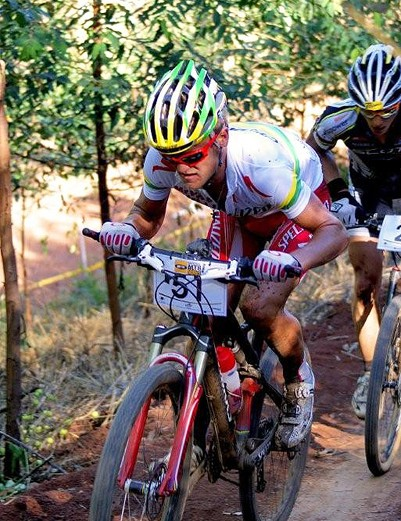 South African champion Burry Stander leads under-23 world champion Nino Schurter in the cross-country race