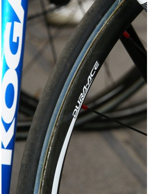 Skil-Shimano was another of the few teams that opted for carbon fiber rims today.