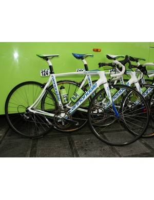 Liquigas rider Enrico Franzoi opted for Cannondale's softer-riding Synapse today.