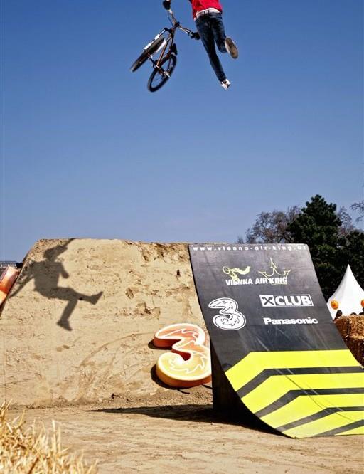 Martin Soderstroem pulls a double whip