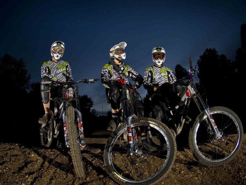 Devinci and their Spanish Distributor XMS Racing Import have launched a new World Cup downhill team